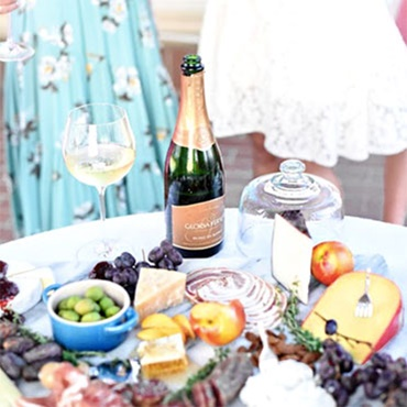 How to Style an Instagram Worthy Dinner Table