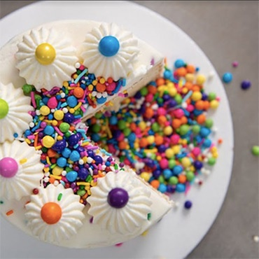 DIY Sprinkle Explosion Cake by FROSTBOX