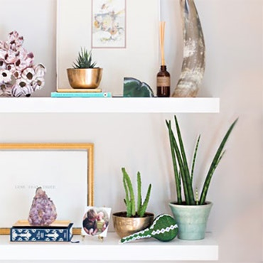 Styling the perfect #shelfie (bookcase styling)
